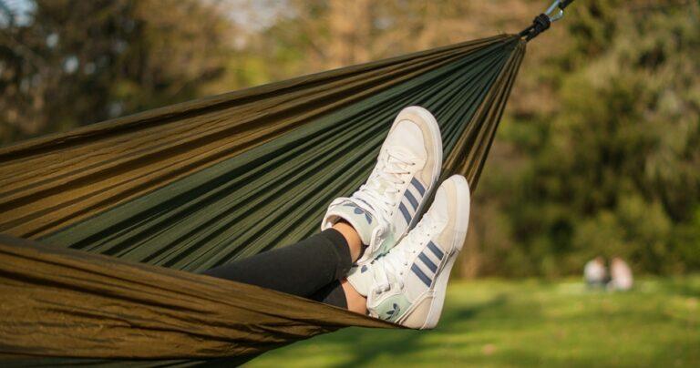 sleep in a hammock soundly