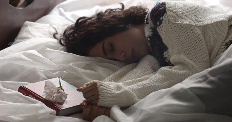How Does Your Mood Affect Your Sleep? - Tip Top Sleep