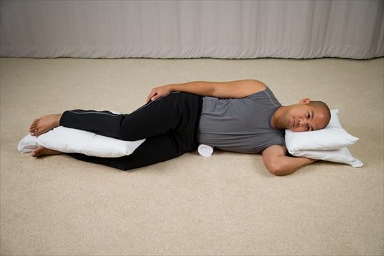 side-sleep-with-pillow-knees
