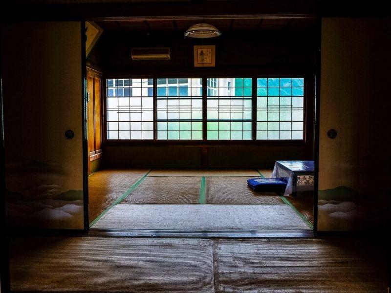 Why Do Japanese Sleep on the Floor