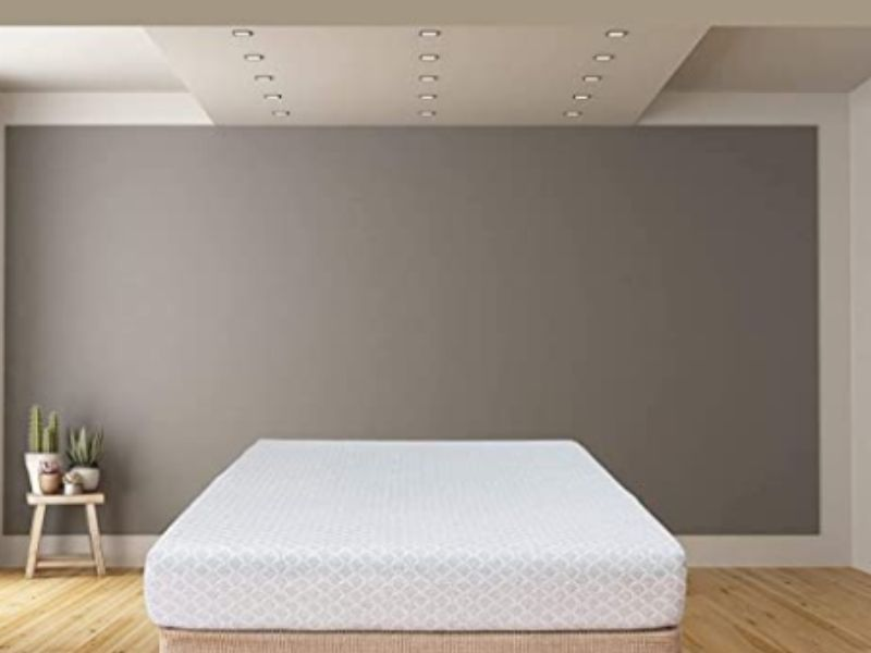 How to Sleep with Sciatic Pain? - Tip Top Sleep
